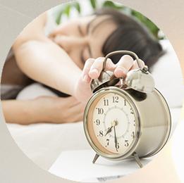 頭眠りが浅く、ぐっすりと眠れない。